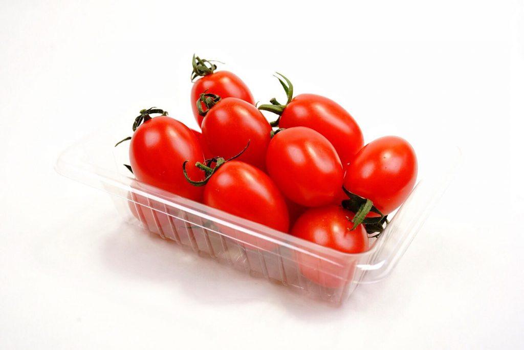 フットボールトマト